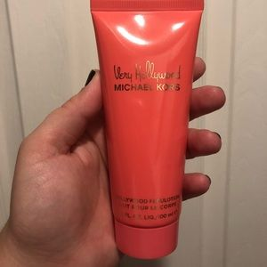 Very Hollywood Michael Kors body lotion